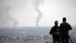 Kurdi sa stiahli z pohraničného mesta. Erdogan zopakoval hrozbu