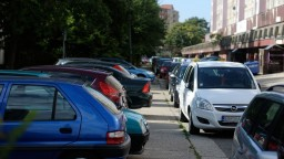 V novom parkovacom systéme je polovica domácností Petržalky
