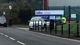 V nákladnom aute v britskom grófstve našli desiatky mŕtvol