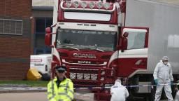 Prezradili totožnosť migrantov, ktorých našli mŕtvych v kamióne