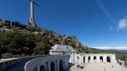 Fotogaléria: Ostatky španielskeho diktátora odviezli z Údolia padlých