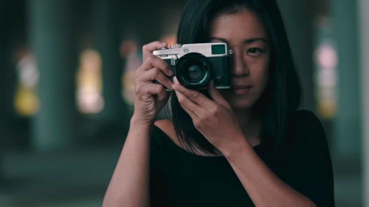 """Fujifilm X-Pro3 nabáda na """"pravé fotenie"""" cez hľadáčik"""