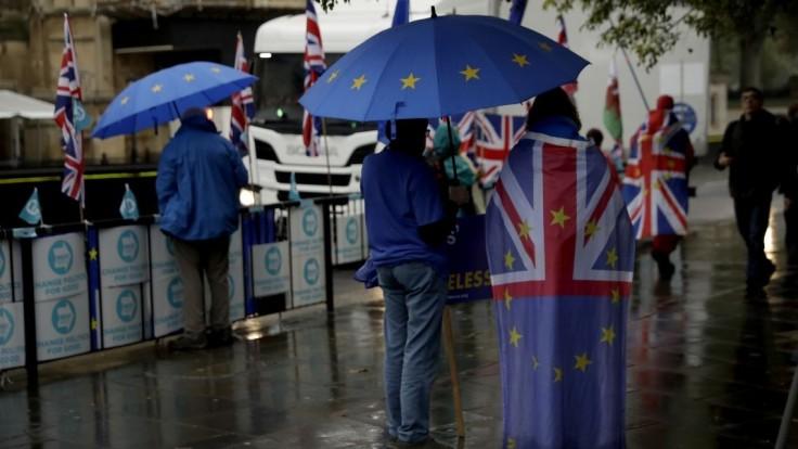 Francúzi zmenili názor. Krajiny EÚ súhlasili s odkladom brexitu