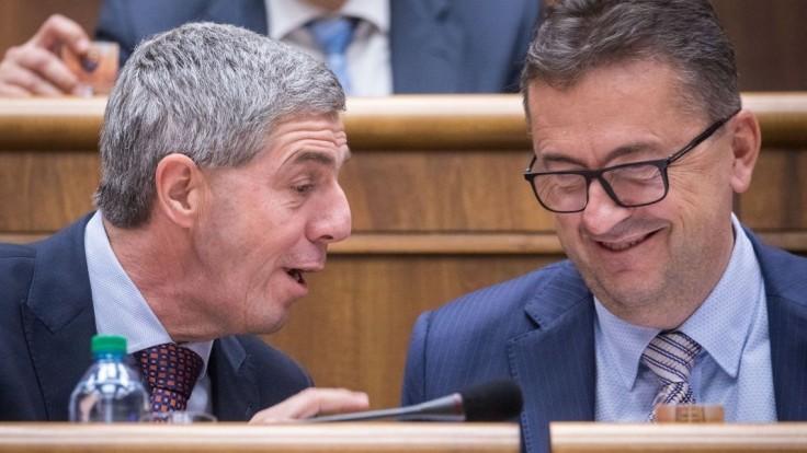Bugár nevidí morálne zlyhanie, odvolanie Glváča Most nepodporí