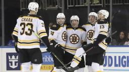 NHL: Bostonu pomohlo k výhre trio Slovákov, Chára aj skóroval