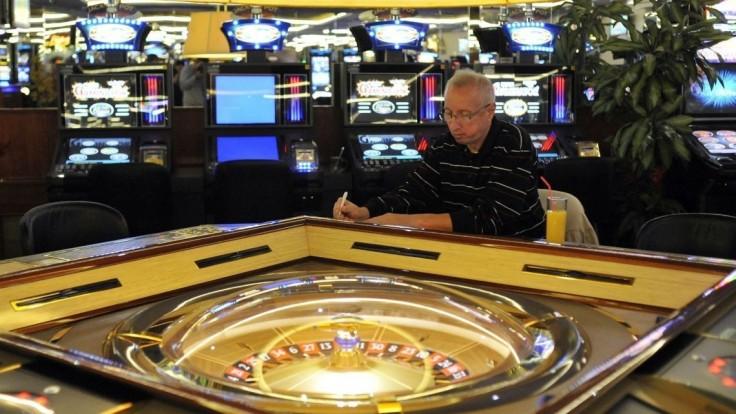 Mestám chcú umožniť regulovať hazard, AZH vyjadrenia kritizuje