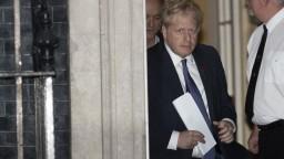 Johnson súhlasil s odkladom. EÚ požiadal, aby bol už posledný