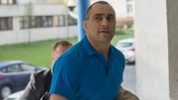 Expolicajt podáva trestné oznámenie, na súde nahlasujú bomby