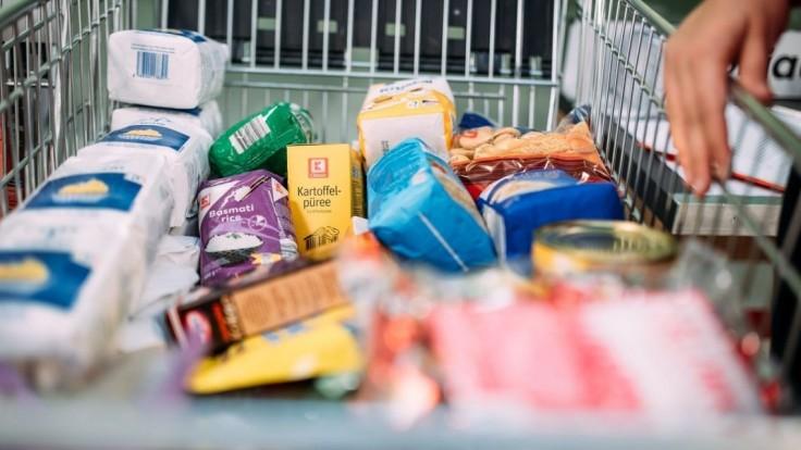 Zbierka Pomáhame potravinami lámala rekordy. Vyzbieralo sa 72 ton potravín