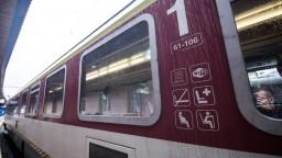 Železnice posilňujú spojenia, niektoré sú už takmer obsadené