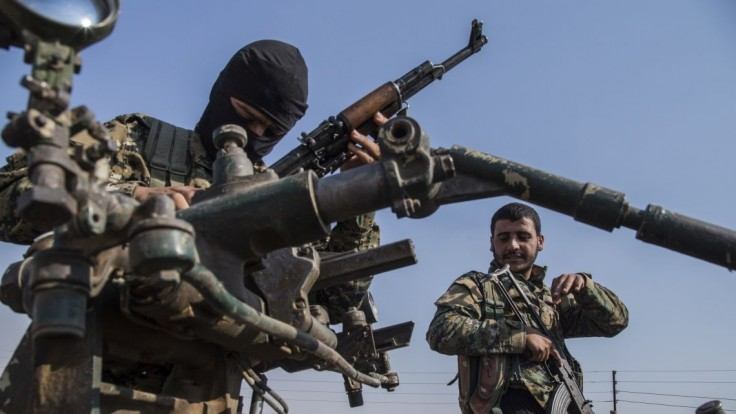 Zo Sýrie hlásia ťažké zrážky, z oblasti utekajú aj civilisti