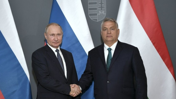 Putin navštívil Maďarsko, je pripravený rokovať o Ukrajine