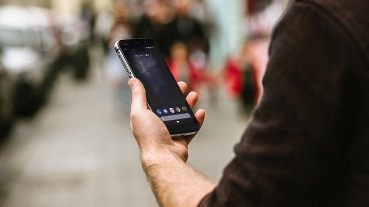 Výnimočne tenký odolný smartfón Cat S52 zvládne všetky skúšky