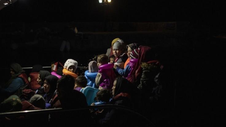 Gréci sprísnili azylový zákon, pre migrantov kritizovali EÚ
