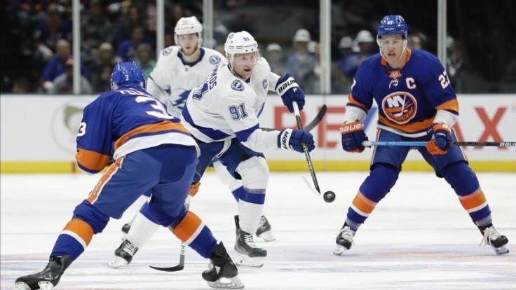 NHL: Černák po absencii nebodoval, Islanders Tampu zdolali