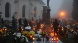 Cintoríny počas Dušičiek trápi odpad, jeho triedenie predstavuje problém