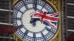 Johnson už tvrdým brexitom hroziť nemôže, konzervatívci ho vylúčili