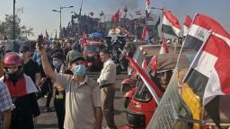 Masy ľudí blokovali prístav i ulice. Polícia použila ostrú muníciu
