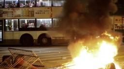 Protesty v Hongkongu strieda upratovanie. Mestu chcú vrátiť život