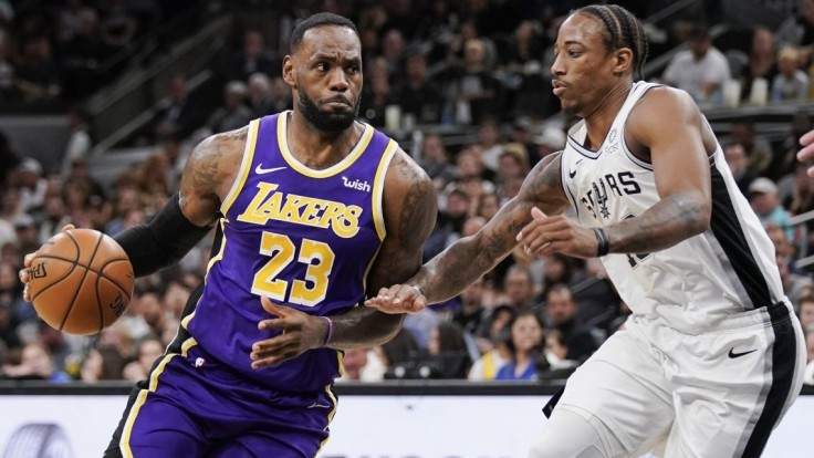 NBA: Séria Lakers pokračuje aj vďaka triple double LeBrona