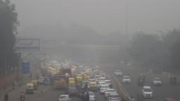 Znečistenie v Naí Dillí je neznesiteľné, museli obmedziť autá