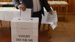Šéf parlamentu oficiálne vyhlásil termín parlamentných volieb