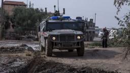 Chytili sestru zabitého vodcu IS, môže mať cenné informácie