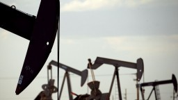 Najvyspelejší chcú menej ropy, dopyt napriek tomu stúpne