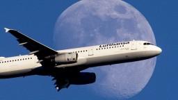 Lufthansa ruší viac ako tisíc letov, dôvodom je štrajk personálu