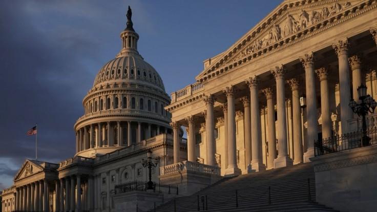 Impeachment naživo? Televízie pre vypočúvanie menia program