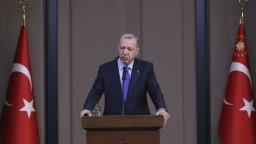Môžeme prepustiť všetkých džihádistov, hrozí Erdogan Európe