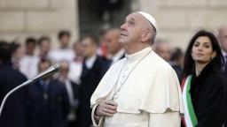Pápež vyzval technologické firmy, upozorňoval na dôstojnosť detí