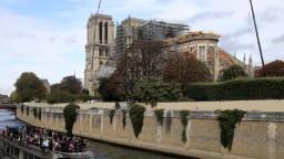 Pôvodný alebo moderný vzhľad? Hádajú sa o podobu Notre-Dame