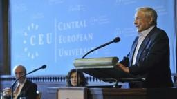 Chce brániť slobodu pred Orbánom. Soros otvoril univerzitu