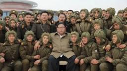 Kim dohliadal na vojakov, chce vybudovať neporaziteľnú armádu