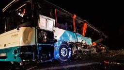 Po nehode leží v kóme tínedžer, piatich pacientov pustili domov