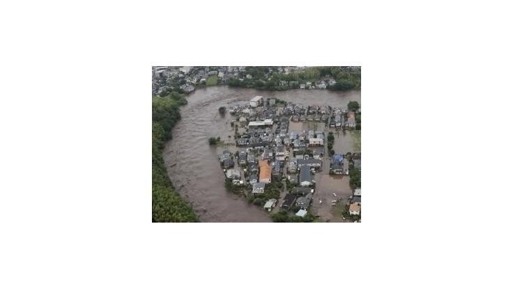 Pri povodniach v KĽDR zomrelo 88 ľudí