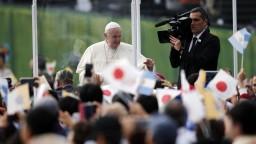 Pápež si želá svet bez jadrových zbraní, útok v Nagasaki odsúdil