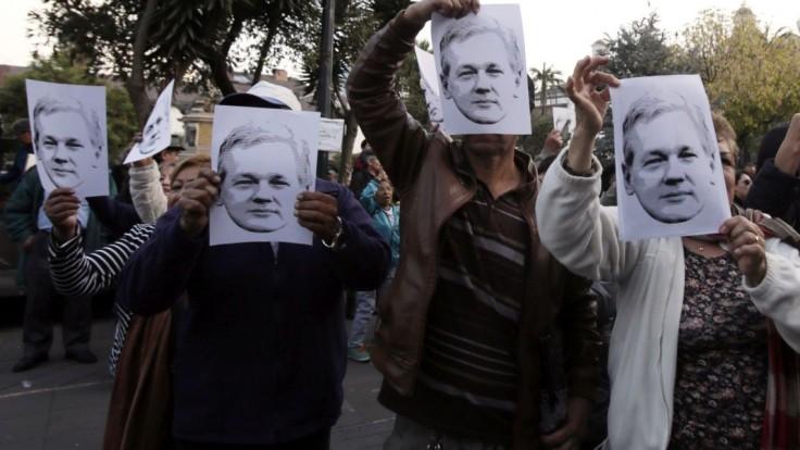 Desiatky lekárov žiadajú ošetrenie pre zakladateľa WikiLeaks