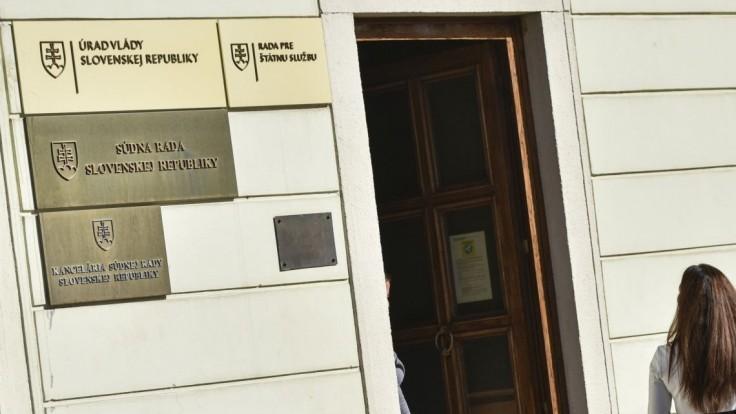 Komisia Súdnej rady odporučí stíhať dvoch sudcov. O koho pôjde?