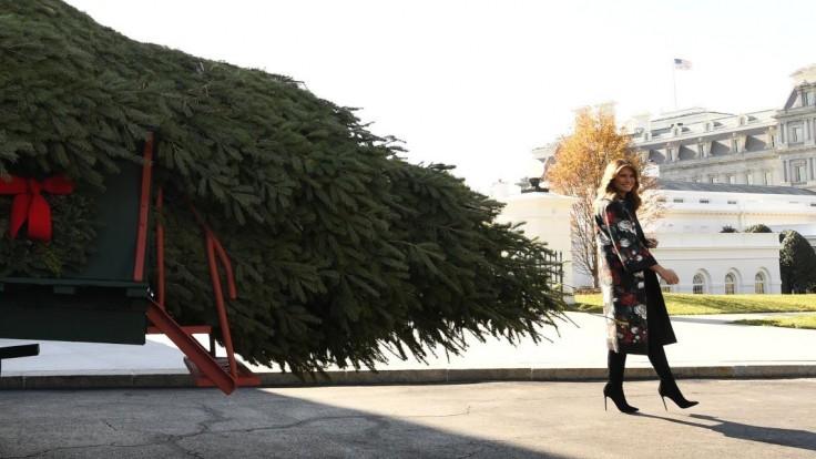 Melania prevzala stromček pre Biely dom, má niekoľko metrov