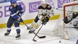 NHL: Tampa zvládla Buffalo. Černák spôsobil Dahlinovi otras mozgu