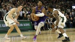 NBA: Milwaukee i Lakers uspeli ôsmy raz, vedú konferencie