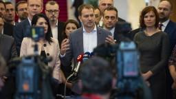 Opozícia reaguje na predĺženie moratória: Na rade je Ústavný súd