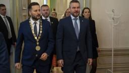Vláda dá Bratislave špeciálny príspevok, odpustia jej aj úver