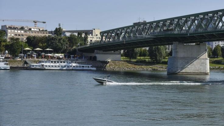 Slovensko dostane vlastnú verejnú lodnú dopravu, schválili poslanci
