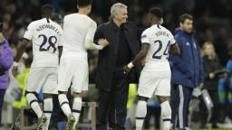 Mourinho zvládol svoju premiéru, Tottenham otočil zápas