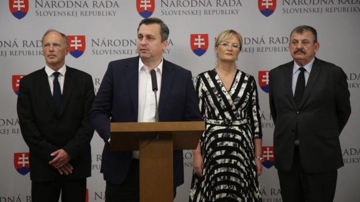 Kandidátku prezradila aj SNS, Danko bude prvý aj posledný
