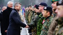 Premiér navštívil vojakov v Lotyšsku. Sú pripravení, deklaroval
