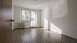 Zatraktívnia národniari podnikové byty? Opozícia vidí riziká